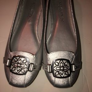 Christian Soriano silver famines flats size 6.5